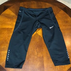 Nike Running Dri Fit Cropped Leggings Small
